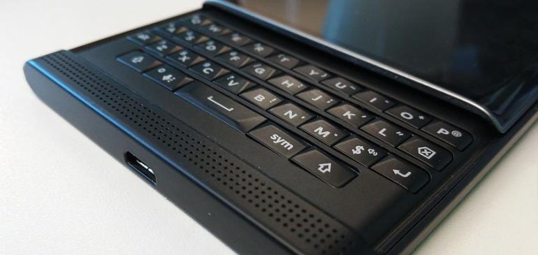 """BlackBerry lanzará dos smartphones """"economicos"""" con Android"""